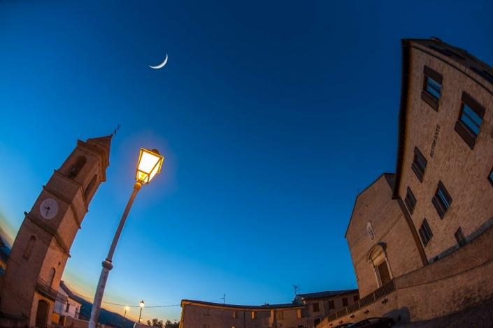 fotografia e paesaggi, sorgere luna