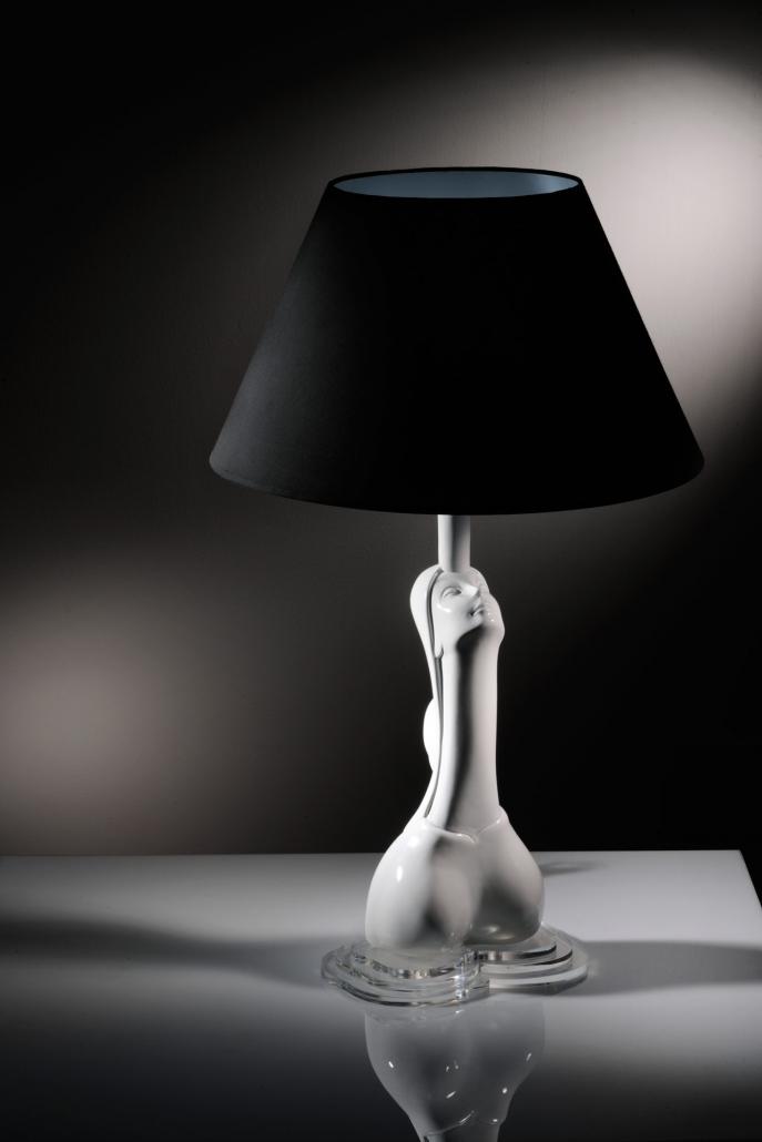 fotografia still life, lampada design in ceramica