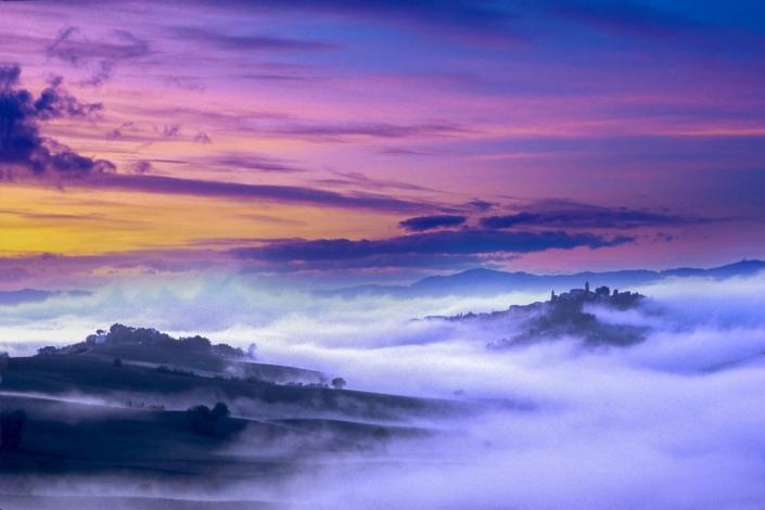 fotografia e paesaggi, montemaggiore nebbia bassa