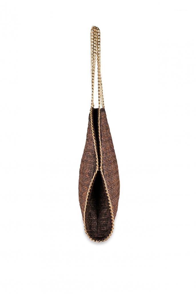 fotografia per e-commerce, profilo borsa marrone con catenella oro