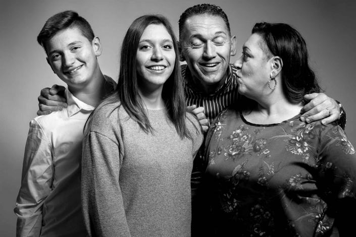 ritratto fotografico, foto famiglia due figli