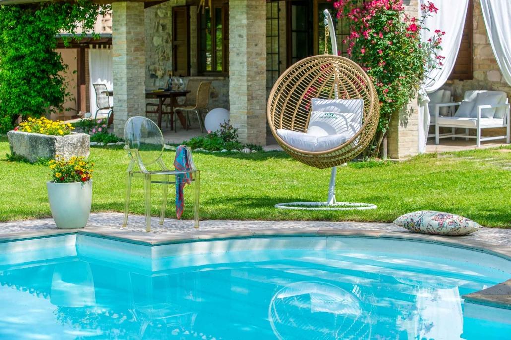 fotografia d'interni e servizio fotografico d'interni, giardino con piscina