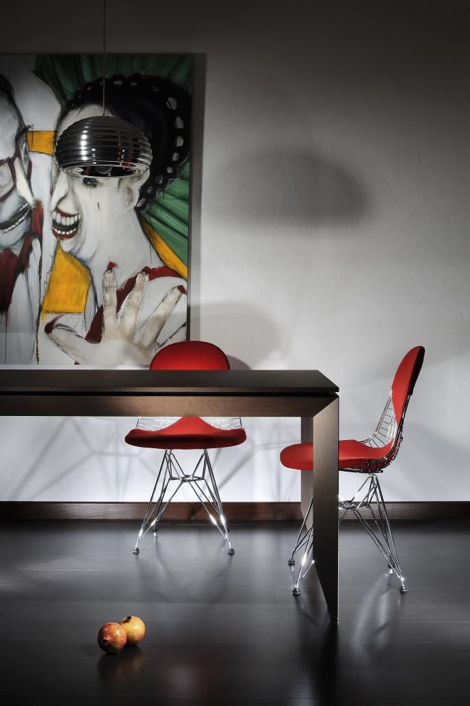 fotografia still life, salotto design sedie rosse