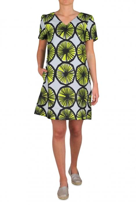 fotografia per e-commerce, indossato abito con fantasia a cerchi verdi