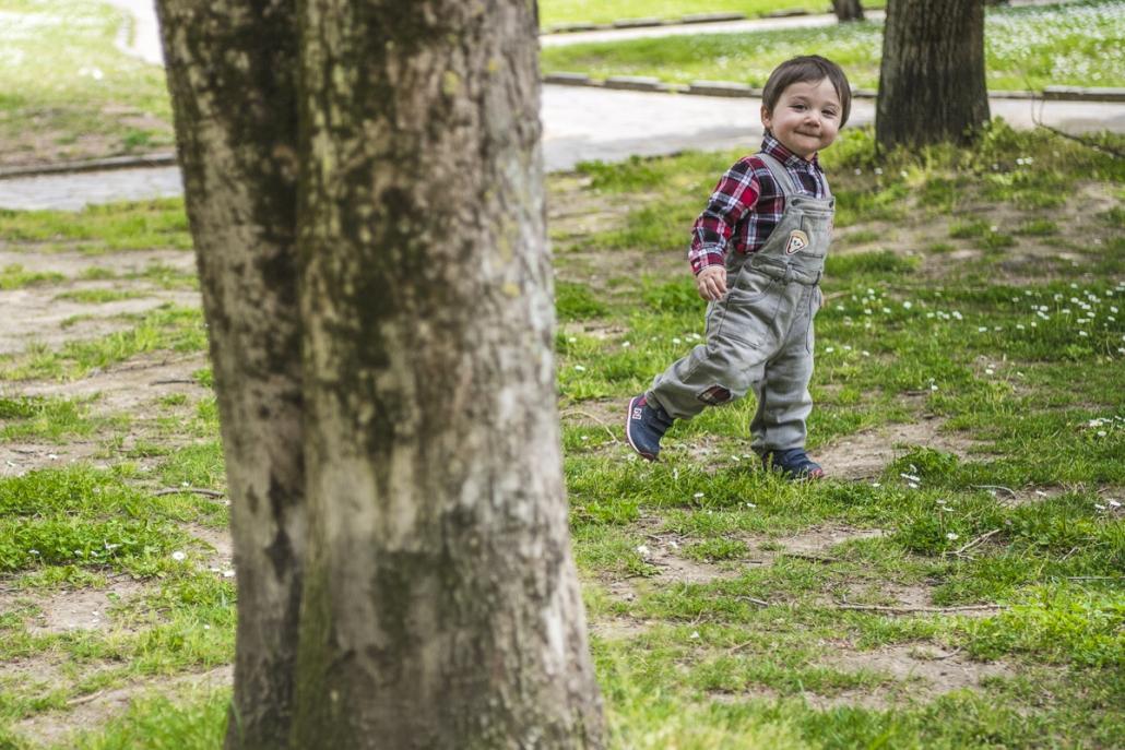 fotografo famiglia, bambino al parco