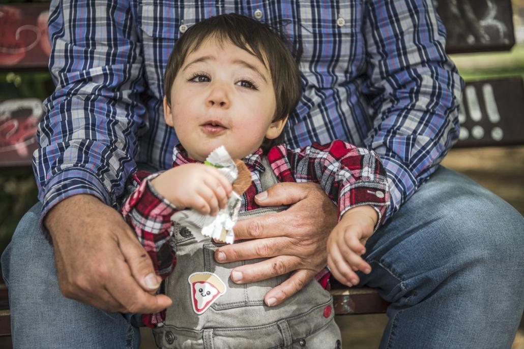 fotografo famiglia, bambino al parco con papà