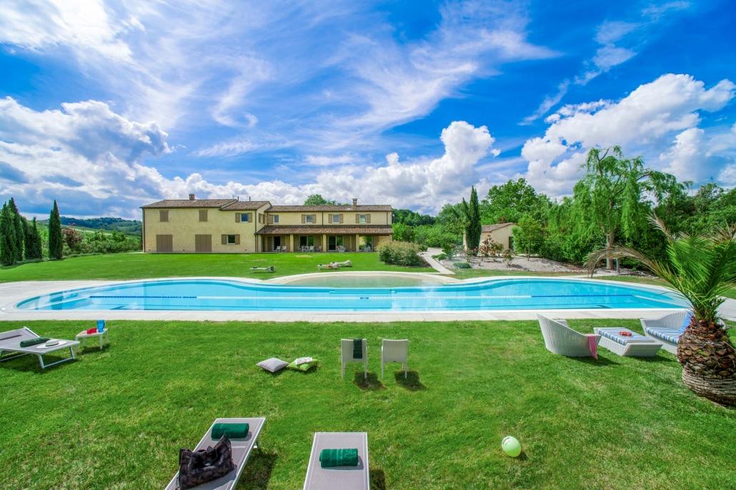 Marcheholiday, Giardino Agapantus piscina