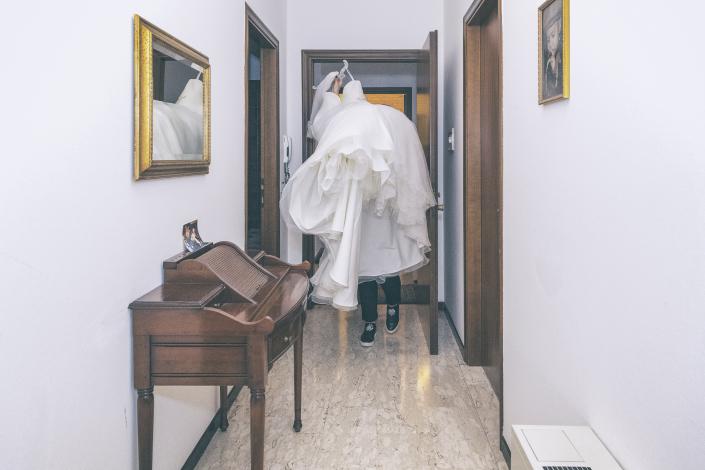 fotografo matrimonio italia, abito sposa