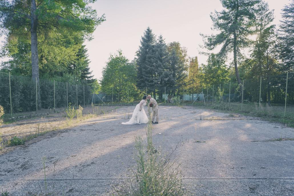 fotografo matrimonio italia, bacio sposi